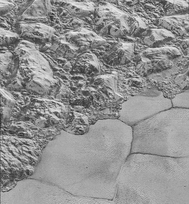 New Horizons Sees Dunes on Pluto
