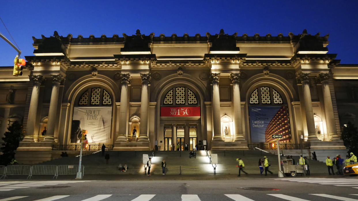 Programme Name: Inside America's Treasure House: The Met - TX: n/a - Episode: Inside America's Treasure House: The Met - Ep2 (No. 2) - Picture Shows: The Met Museum, New York, as the Wangechi Mutu's sculptures are installed.  - (C) Oxford Flms - Photographer: Eddie Knox