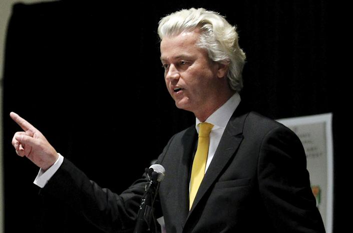 Far-right Dutch politician Geert Wilders speaks at the Muhammad Art Exhibit and Contest, sponsored by the American Freedom Defense Initiative, in Garland, Texas May 3, 2015. Texas police shot dead two gunmen who opened fire at the exhibit near Dallas of caricatures of Islam's Prophet Mohammad organized by the anti-Islamic group, authorities said on Sunday. REUTERS/Mike Stone