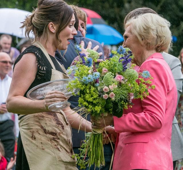 Mary Berry shakes hands with Candice Brown, winner of the 2016 series of The Great British Bake Off (PA)