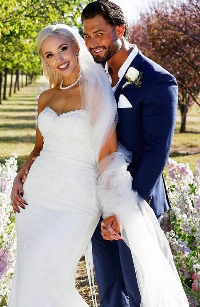 Married At First Sight contestants Lizzie Sobinoff and Sam Ball on their wedding day in season six