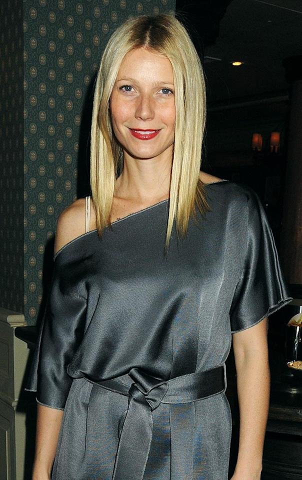 "Sophisticated star Gwyneth Paltrow styles her mane stick-straight with a dramatic down-the-middle part for an elegant night on the town. Dave M. Benett/<a href=""http://www.gettyimages.com/"" target=""new"">GettyImages.com</a> - November 23, 2009"