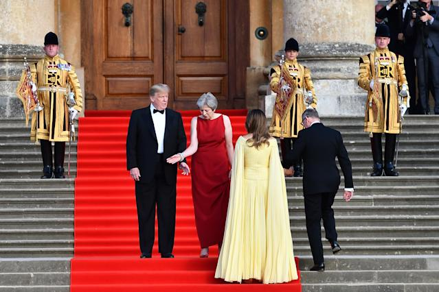 """<h1 class=""""title"""">Blenheim Palace Reception For U.S. President Donald Trump</h1> <div class=""""caption""""> Melania Trump ascends the stairs at Blenheim Palace. </div> <cite class=""""credit"""">Bloomberg</cite>"""