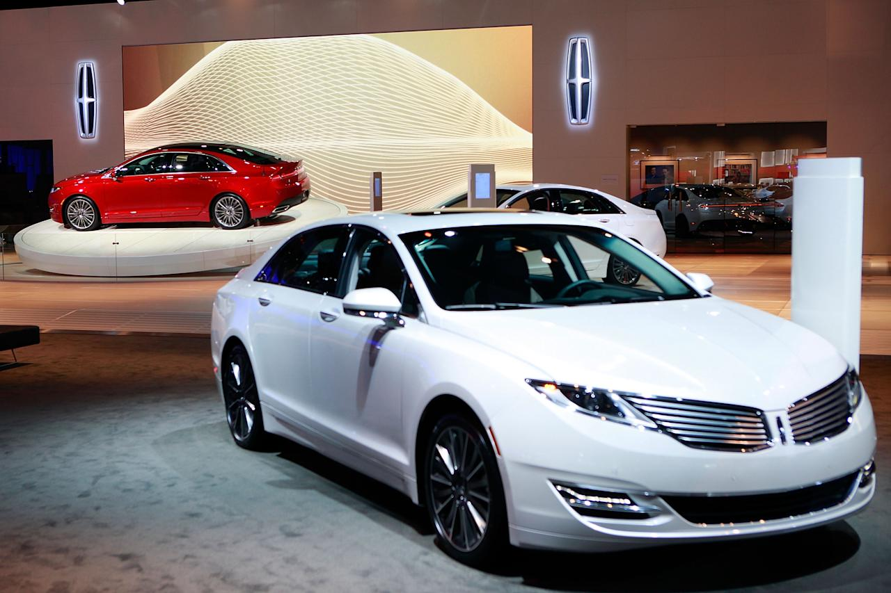 LOS ANGELES, CA - NOVEMBER 29:  General Atmosphere of the Lincoln MKZ On Display At Los Angeles Auto Show at Los Angeles Convention Center on November 29, 2012 in Los Angeles, California.  (Photo by Todd Oren/Getty Images for Lincoln)