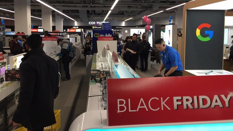 Toronto shoppers rise early in search of Black Friday discounts