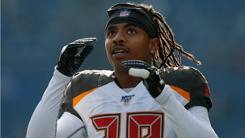 Bucs waive Hargreaves two days after benching him for lack of 'hustle'