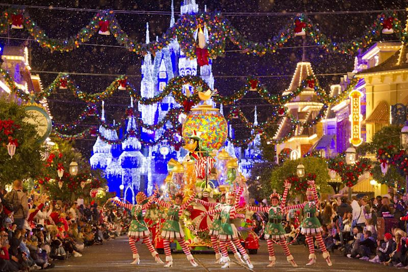 luxury travel package visits christmas lights and markets around the world