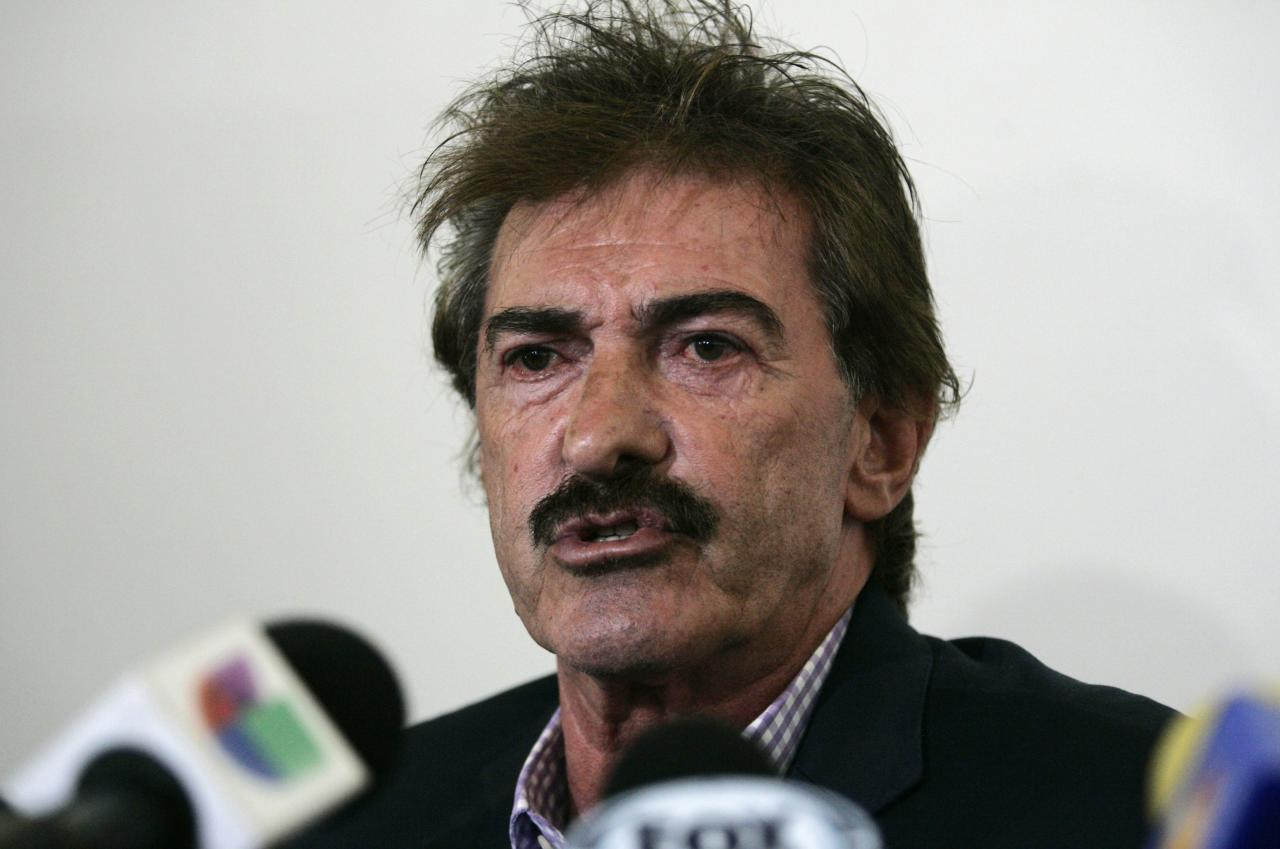 Former Mexico coach Ricardo La Volpe addresses the media in Zapopan May 1, 2014. Argentine La Volpe was sacked as manager of Guadalajara on Wednesday following allegations he acted inappropriately towards a female staff member, the club's president said. REUTERS/Alejandro Acosta (MEXICO - Tags: SPORT SOCCER HEADSHOT)