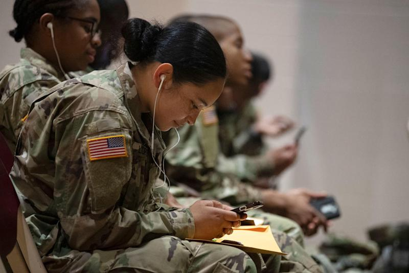 In First, Army Guardsmen Can Now Track Promotions and Pay on Smartphones