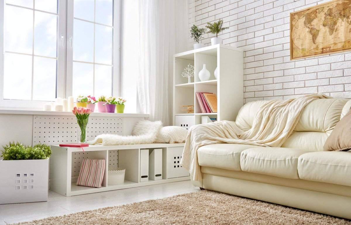 """Everyone wants to <a href=""""https://bestlifeonline.com/cozy-home-winter/?utm_source=yahoo-news&utm_medium=feed&utm_campaign=yahoo-feed"""">spice up their home décor</a> every once in a while, and the good news is, all it takes is a little creativity and some design know-how to change it up—no dipping into your savings necessary. It's true! You don't need to shell out serious cash or start knocking things down to the studs to completely <a href=""""https://bestlifeonline.com/affordable-redecorating-tips/?utm_source=yahoo-news&utm_medium=feed&utm_campaign=yahoo-feed"""">reinvigorate your space</a>. We talked to some of the world's top interior designers to come up with the ultimate guide of practical and affordable <a href=""""https://bestlifeonline.com/home-design-trends/?utm_source=yahoo-news&utm_medium=feed&utm_campaign=yahoo-feed"""">interior design tips</a>. So if you want to <a href=""""https://bestlifeonline.com/budget-home-upgrades/?utm_source=yahoo-news&utm_medium=feed&utm_campaign=yahoo-feed"""">decorate on a low budget</a>, these 50 ideas will help you turn those lackluster living quarters into a standout space in no time.      <div class=""""number-head-mod number-head-mod-standalone"""">         <h2 class=""""header-mod"""">                     <div class=""""number"""">1</div>             <div class=""""title"""">Incorporate accessories from your travels.</div>                     </h2>     </div>"""