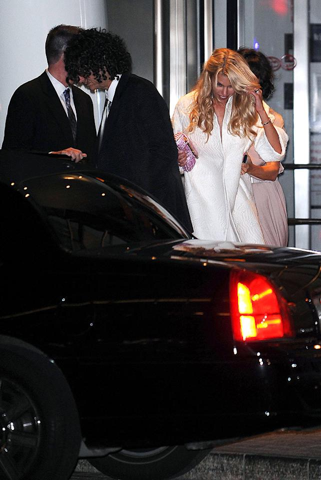 Howard Stern and Beth Ostrosky depart Le Cirque after their wedding on October 3, 2008 in New York City. Howard Stern and Beth Ostrosky Wedding Le Cirque New York, NY United States October 3, 2008 Photo by James Devaney/WireImage.com To license this image (55879323), contact WireImage.com