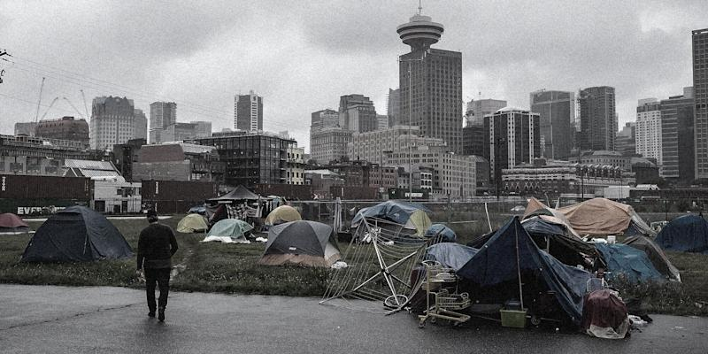 A homeless encampment near Vancouver's CRAB Park. (Photo: CP/HuffPost)
