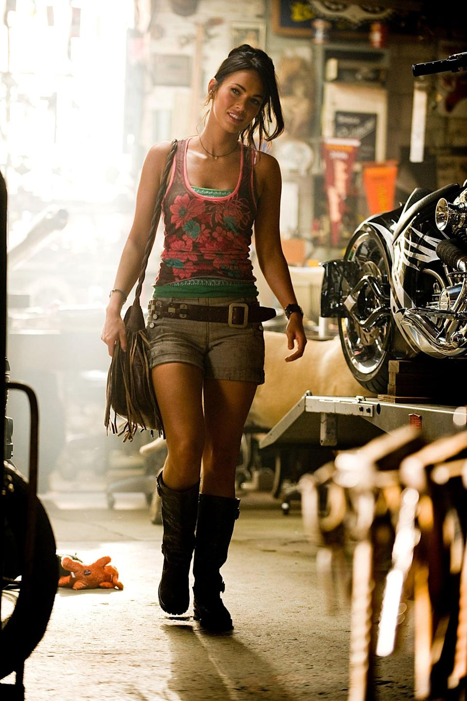 <p>Who could forget the dimension that came with layering two vibrantly-colored ribbed tanks, as Megan exhibited here in <b>Transformers: Revenge of the Fallen</b>?</p>