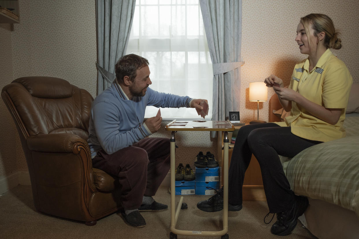 Tony (Stephen Graham) and Sarah (Jodie Comber) - Help (Channel 4)