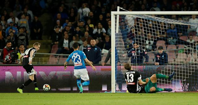Soccer Football - Serie A - Napoli vs Udinese Calcio - Stadio San Paolo, Naples, Italy - April 18, 2018 Udinese's Jakub Jankto scores their first goal REUTERS/Ciro De Luca