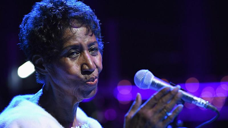 Queen of Soul Aretha Franklin's casket arrives for funeral