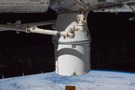 SpaceX Dragon Capsule berths to the International Space Station, October 10, 2012. Credit: NASA