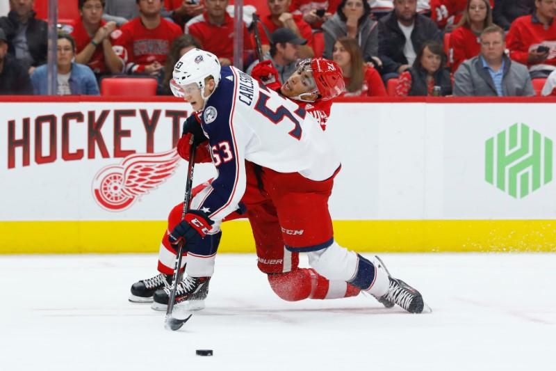 Blue Jackets sign Carlsson to two-year deal