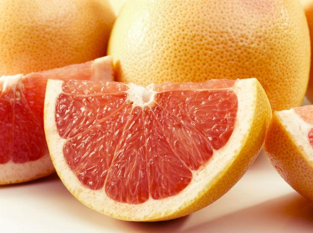 <p><strong>Diet food 1: Grapefruit</strong><br /><br />We've all heard of the grapefruit diet but you don't have to live on a diet of grapefruit alone to lose weight. It's been found that that eating half a grapefruit before each meal or drinking a serving of the juice three times a day can help you drop the pounds. The magic ingredient is the fruit's phytochemicals and their effect of reducing insulin levels which stimulates your body to convert calories into energy rather than storing as flabby fat.</p>