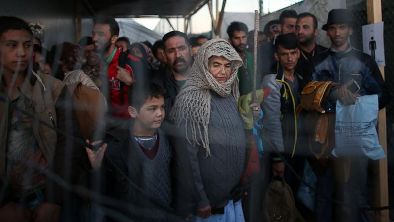 Growing Number of States Refuse to Accept Syrian Refugees in Wake of Paris Attacks