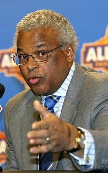Players union director Billy Hunter doesn't think NBA commissioner David Stern has the sway with owners that he once did