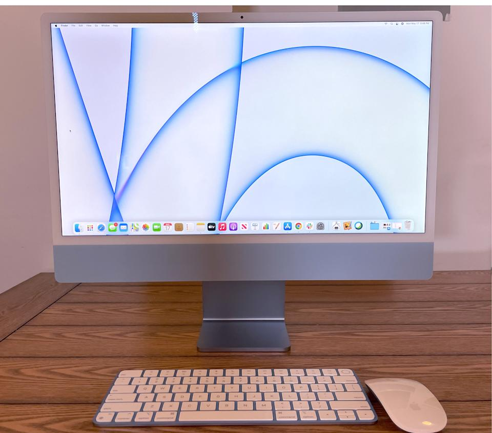 The iMac offers a minimalistic aesthetic thanks to its single power cable. (Image: Howley)