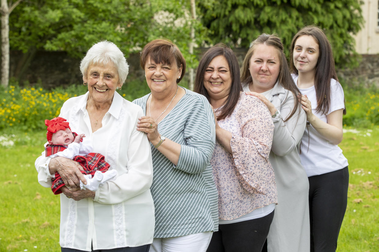 Mary Marshall, 86 with Two-week-old Nialia, Rose, 68, Chyrel, 50, Carrie, 35, Toni-Leigh, 17.  Six generation family (thought to be biggest in Scotland) oldest is 86 and youngest is a week old.