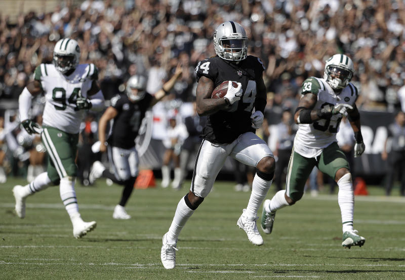 Patriots trading for former Raiders wide receiver Cordarrelle Patterson