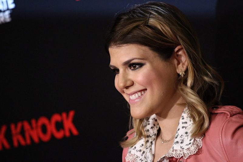 """""""Awkward"""" star Molly Tarlov got married this weekend, and her look was beautifully casual"""