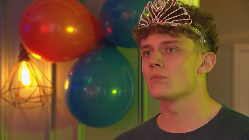 <p>Romeo throws him an early stag do.</p>