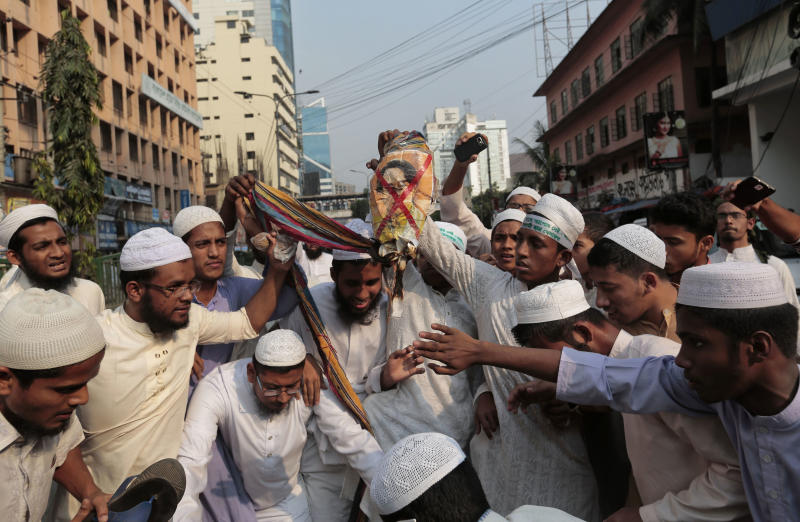 Indonesians Protest Violence Against Rohingya Muslims