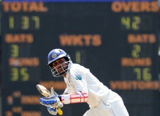 Sri Lanka's Tillakaratne Dilshan hit 13 boundaries and a six as he reached his 13th Test century