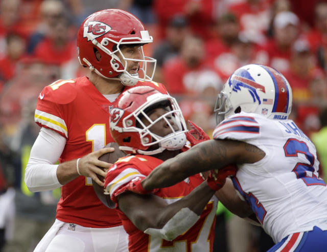Kansas City Chiefs quarterback Alex Smith struggled again in the Chiefs' loss to the Bills. (AP)