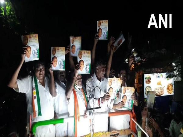 Former Puducherry Chief Minister and All India NR Congress (AINRC) president N Rangasamy releasing the party's manifesto (File Photo)