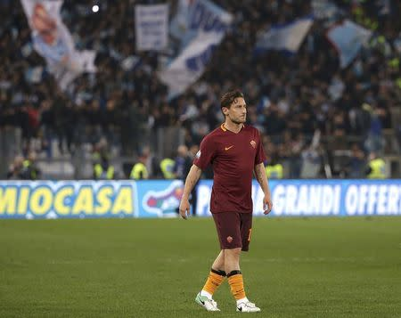 Football Soccer - AS Roma v Lazio - Italian Cup - Olympic Stadium, Rome, Italy - 4/04/17 AS Roma's Francesco Totti leaves at the end of the match. REUTERS/Max Rossi