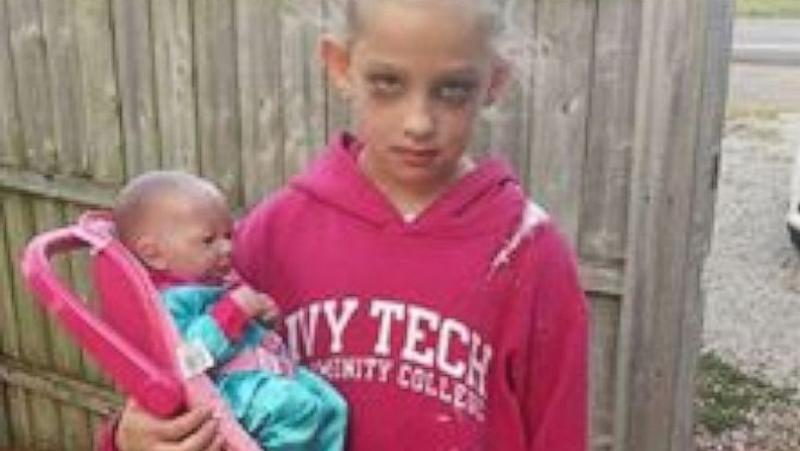 7 year old girl nails halloween costume as a mom