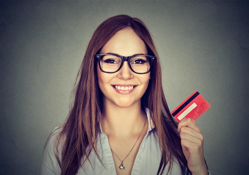 Student credit cards should have no annual fee and generous rewards. (SIphotography via Getty Images)