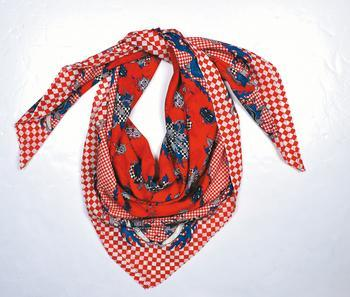 McQ red printed scarf (售價待定)