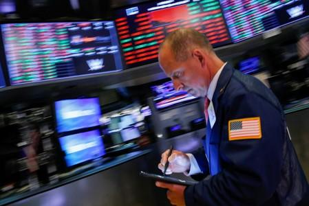 US Stocks Plunge 3% on Recession Fears