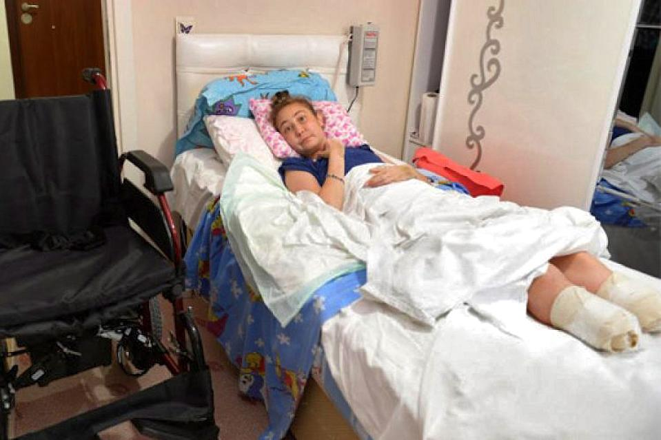 Sevinc Ceklik seen laying in her hospital bed after the amputations. Source: Newsflash/Australscope