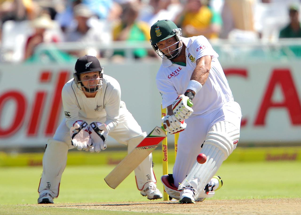 CAPE TOWN, SOUTH AFRICA - JANUARY 02: Jacques Kallis of the Proteas bats on his way to becoming only the fourth batsman in history to score 13,000 runs in Test cricket during day 1 of the 1st Test between South Africa and New Zealand at Sahara Park Newlands on January 02, 2013 in Cape Town, South Africa. (Photo by Carl Fourie/Gallo Images/Getty images)