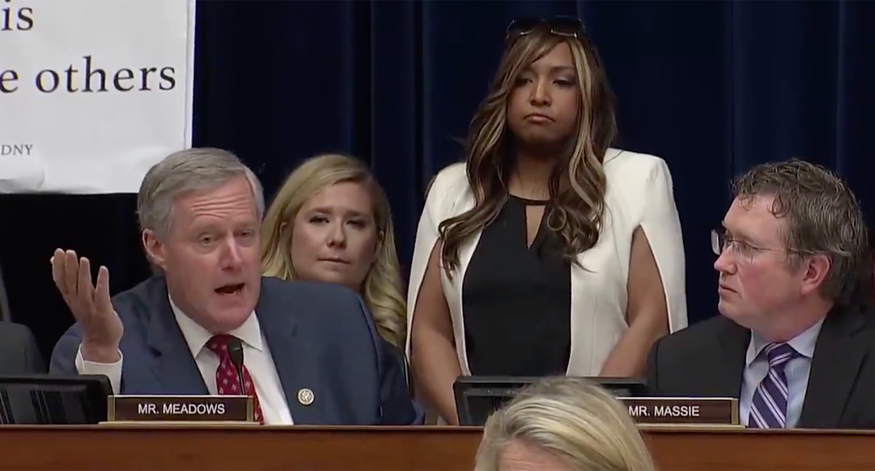 Rep. Mark Meadows, R-N.C., speaks to Michael Cohen during a House Oversight Committee hearing, with Lynne Patton, a regional administrator in the Department of Housing and Urban Development, standing behind him. (Screengrab: Yahoo News Video)