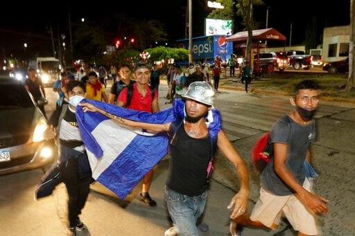 Hundreds Of Honduran Migrants Set Out For US Amid Pandemic