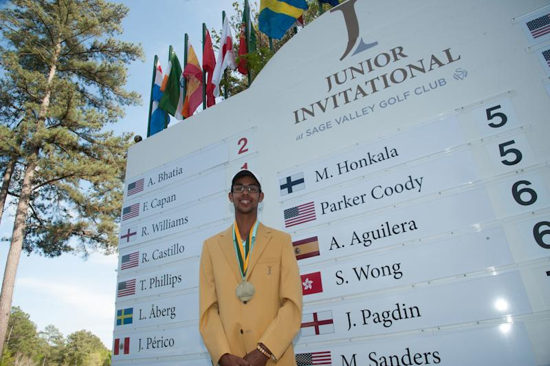Junior golfer Akshay Bhatia becomes rare player to suffer a rules blunder and still hang on to win prestigious title