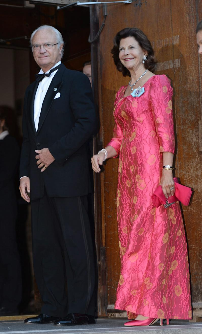 Sweden's King Carl XVI Gustaf and Queen Silvia arrive for the Swedish Government's dinner in connection with The King's 40th jubilee held at Nordiska Museet in Stockholm, Sweden, Saturday, Sept. 14, 2013. (AP Photo/Fredrik Sandberg, Scanpix) SWEDEN OUT