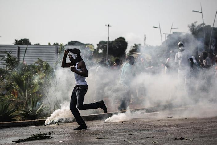 Violence has swept the Gabon capital after President Ali Bongo was declared winner in polls by a slim margin (AFP Photo/Marco Longari)