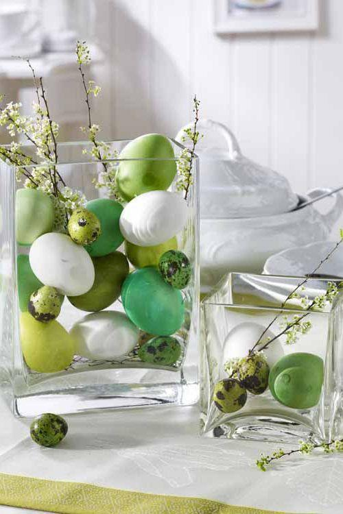 "<p>This Easter centerpiece idea couldn't be easier to pull off—just fill a glass vase with dyed eggs and a few flowering branches from your backyard.</p><p><strong>Get the tutorial at <a href=""http://www.homebunch.com/easter-decorating-ideas/"" rel=""nofollow noopener"" target=""_blank"" data-ylk=""slk:Home Bunch"" class=""link rapid-noclick-resp"">Home Bunch</a>.</strong></p>"