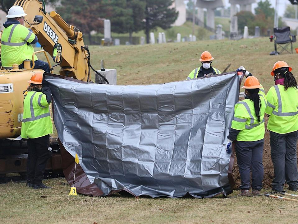 Investigators work to examine possible grave sites in Tulsa, Oklahoma  (AP)