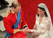 <p>The Duke of Cambridge struggled to fit the wedding ring on Kate's finger on their wedding day, provoking her to laugh, and this moment will go down in history. </p>