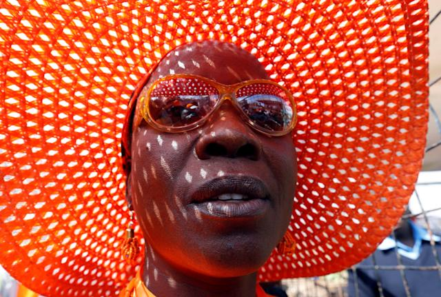 <p>A supporter of Kenyan opposition National Super Alliance (NASA) coalition arrives for their final campaign rally at the Uhuru park grounds in Nairobi, Kenya, Aug. 5, 2017. (Photo: Thomas Mukoya/Reuters) </p>